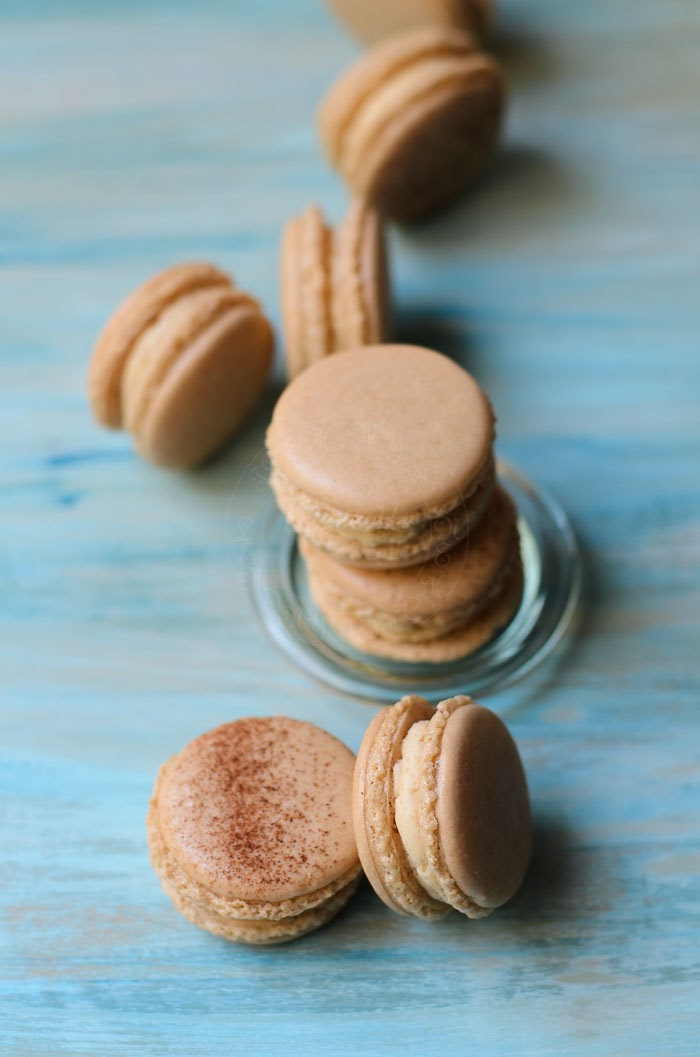 Apple pie macarons with apple butter