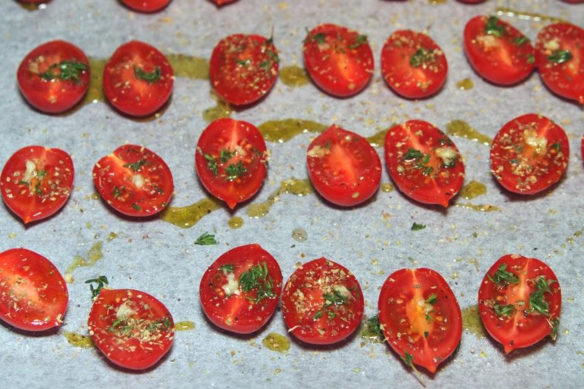 Przepis na pomidory confit, czyli pomidory konfitowane.