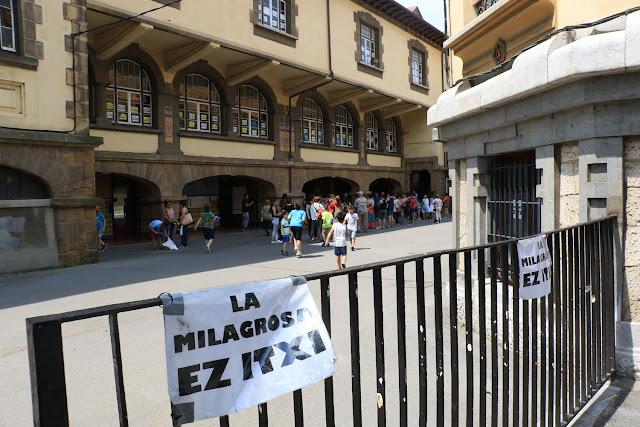 Edificio que ocupaba el colegio La Milagrosa en uno de los últimos días de actividad