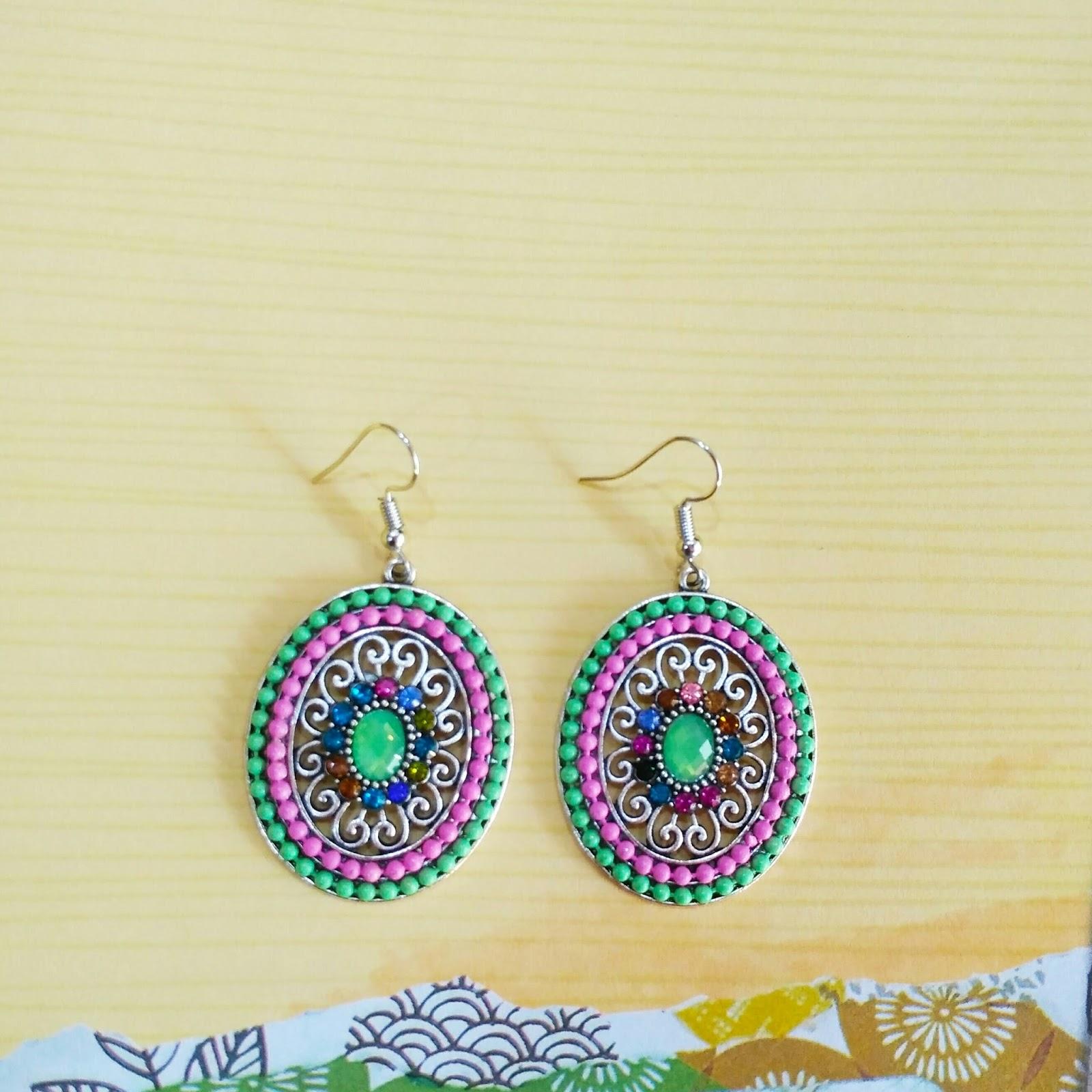 Pretty Fashion Earrings Green Pink Beads