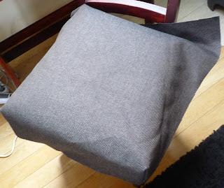 jak uszyć tapicerkę na krzesło