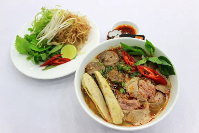 Bún Bò Huế - The Best Soup In The World 1
