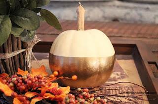 20 Idee Per Decorare Le Zucche Di Halloween Fai-da-te: ricoperta d'oro