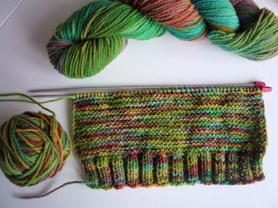 knitting hand coloring wool