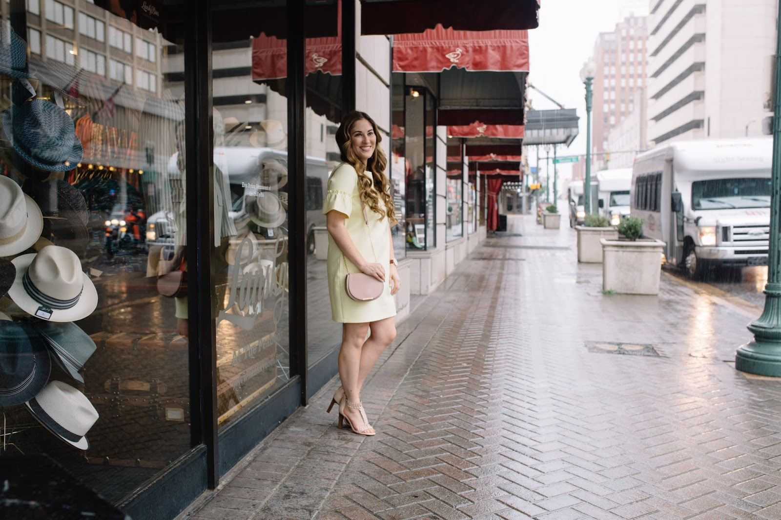 Memphis Staycation: Peabody Hotel Memphis by popular blogger Laura of Walking in Memphis in High Heels