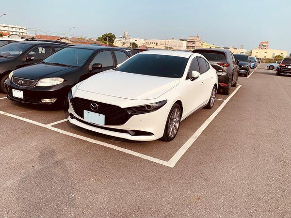 四代Mazda3四門BOSE旗艦款-白色
