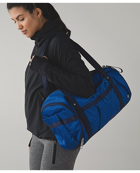 lululemon run-ways-duffel
