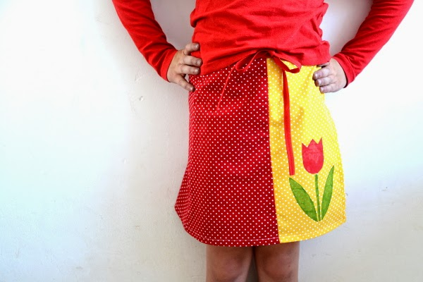 Colourblocked Tulip Wrap Skirt Tutorial {Pienkel Guest Post} | Mabey She Made It | #skirt #sewingforkids #stencil