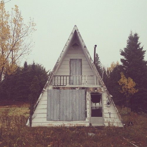 Relaxshacks.com: An (Abandoned Cabin/House) Picture Is