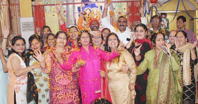 Holi of flowers played at the Shri Banke Bihari Temple of Faridabad NIT