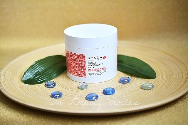 recensione crema modellante ricci gyada cosmetics, crema leave in capelli ricci, capelli ricci, styling