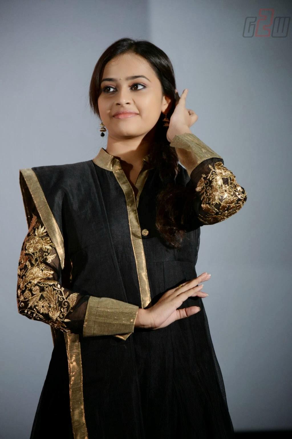 South Actress Sri Divya Latest Photos From Tamil Movie -1580
