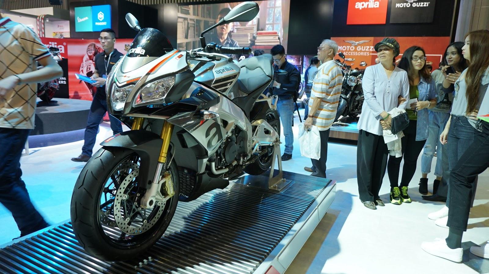 Aprilia TUONO V4 1100 RR tạo quá nhiều sức hút ở gian hàng Aprilia