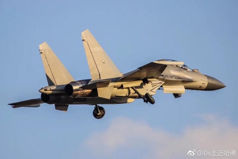 China Defense Blog: 98th Aviation Brigade, PLAAF's J-16 unit