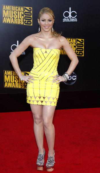 Kiss Wallpaper Hd Shakira Shakira Dresses