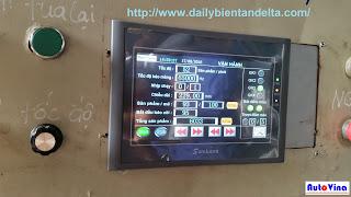 Trang màn hình hiển thị thông số chạy trong hệ thống điều khiển máy cắt dán túi 3 biên do Auto Vina cung cấp