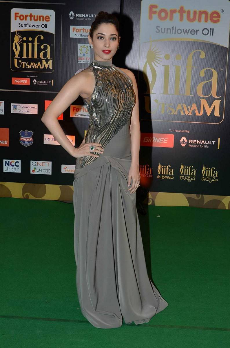 Tamanna Hot Stills At IIFA Utsavam Awards