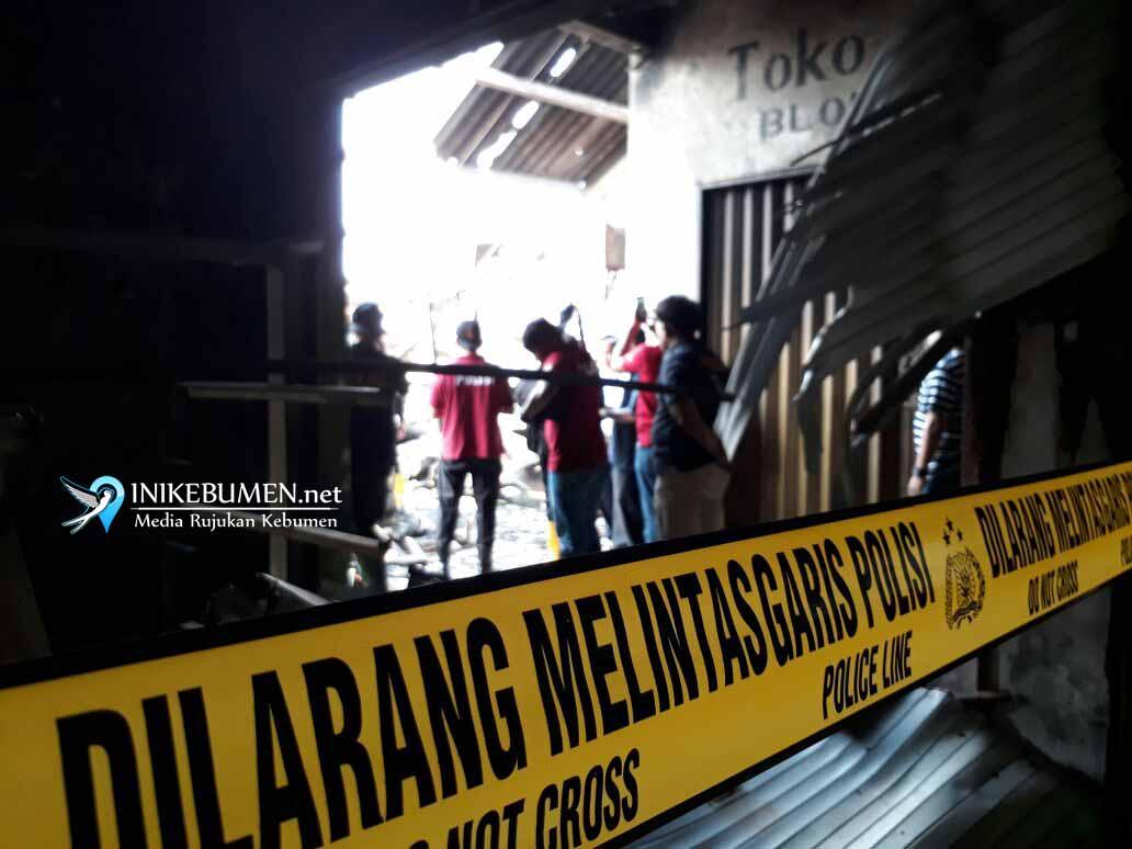 Puslabfor Polri Teliti Abu Sisa Kebakaran Pasar Wonokriyo Gombong