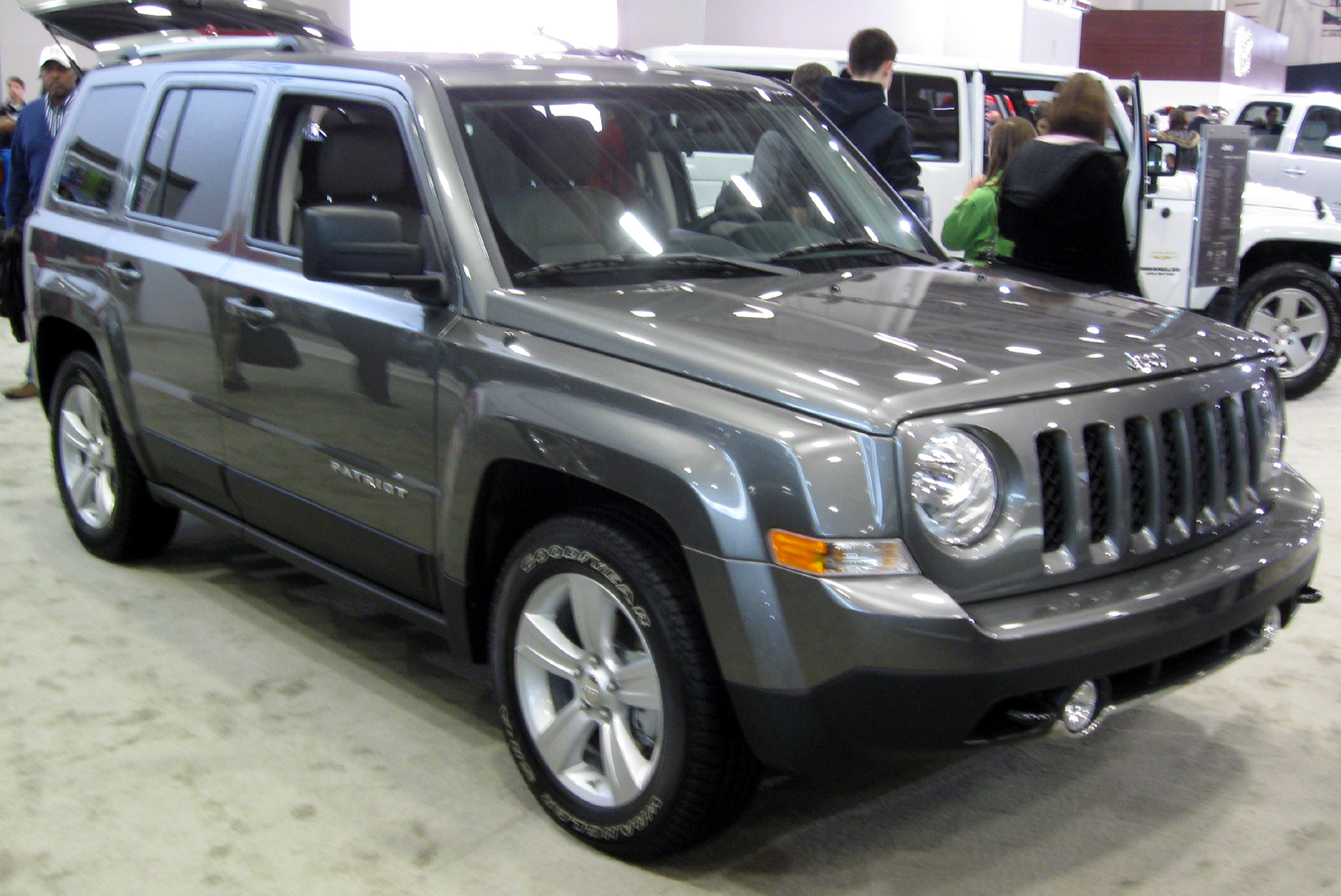 the jeep patriot 2006 2014 car universe. Black Bedroom Furniture Sets. Home Design Ideas