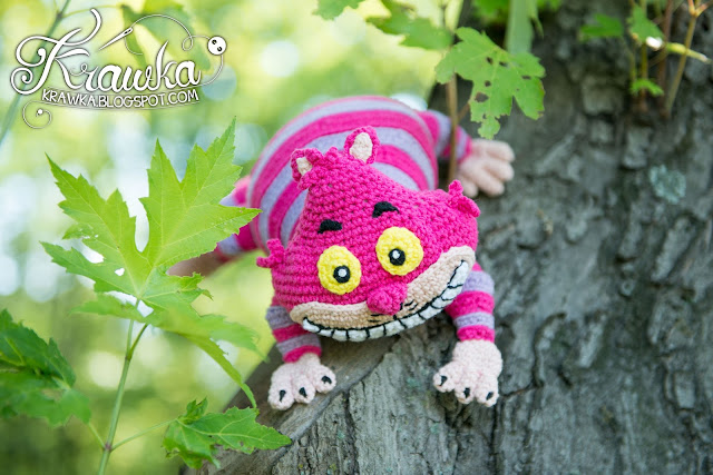Krawka: Cheshire cat crochet pattern inspired by Disney's Alice in Wonderland. Pattern by Krawka