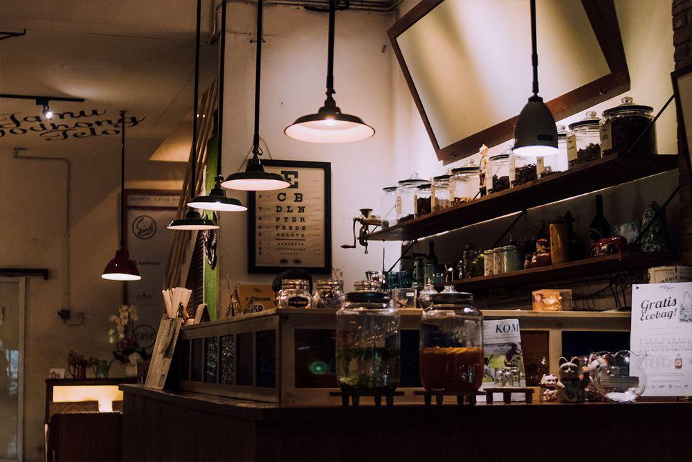 Minuman Jamu Tradisional di Kafe Suwe Ora Jamu (neighbourlist.com)