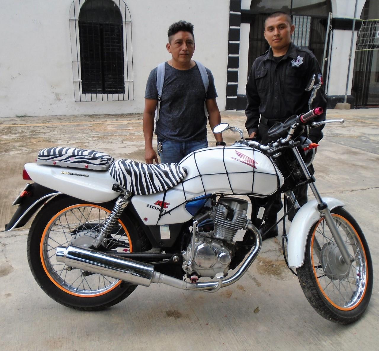 """La razón Noticias: Recuperan y entregan moto """"cebra"""" robada en ..."""