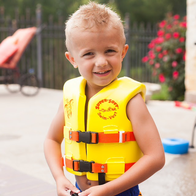 f53c71560e3 What is the best life vest for toddlers