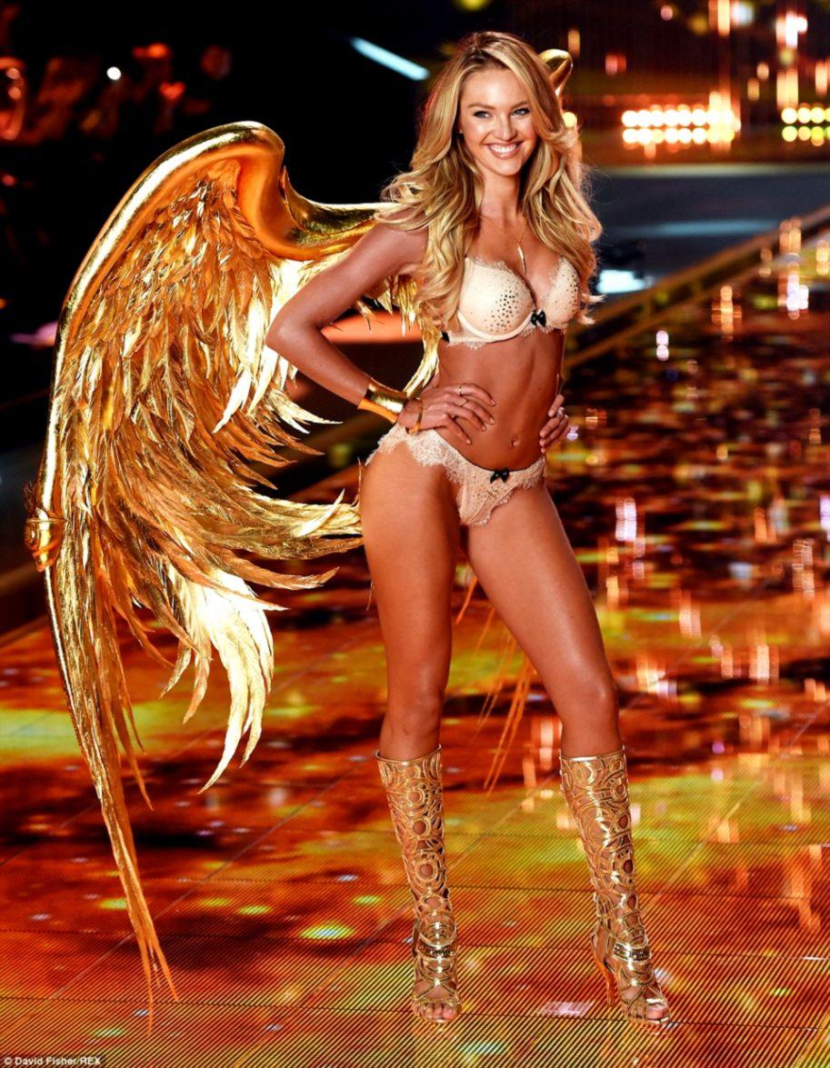 baadb703655 The greatest catwalk on Earth Angels Alessandra Ambrosio and