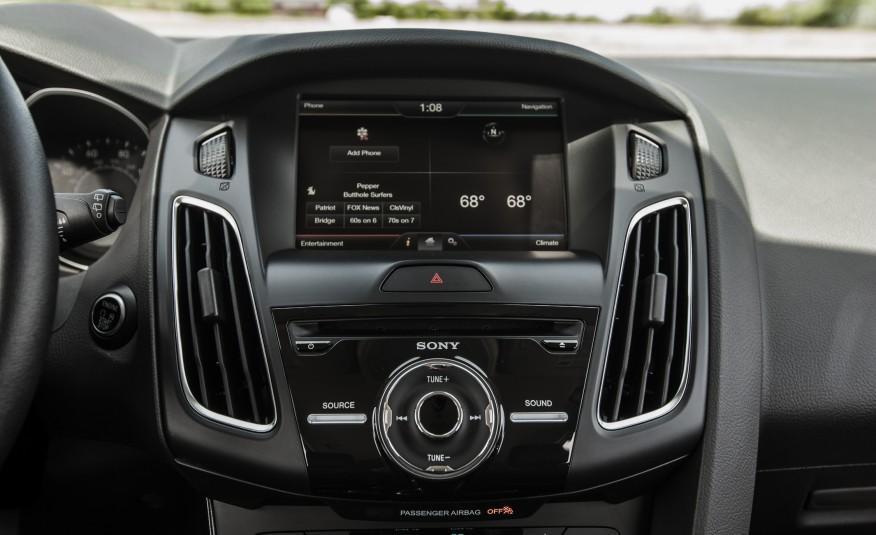 Hệ thống Sync 3 trứ danh của Ford đã hoạt động trên Focus 2016