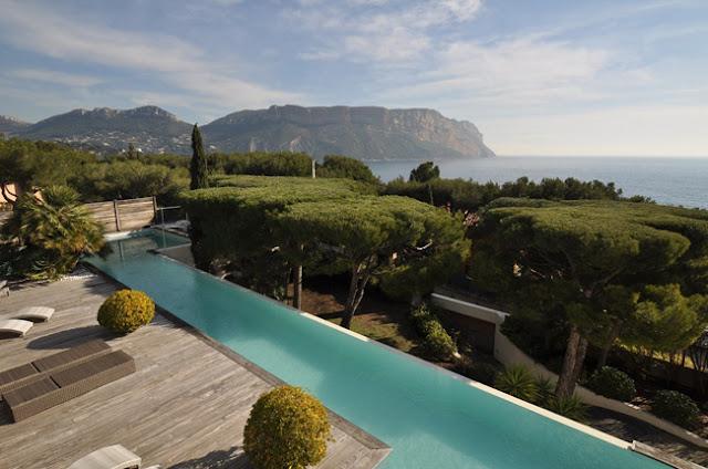 Piscinas modernas en balconeo for 7 piscinas sagradas maui