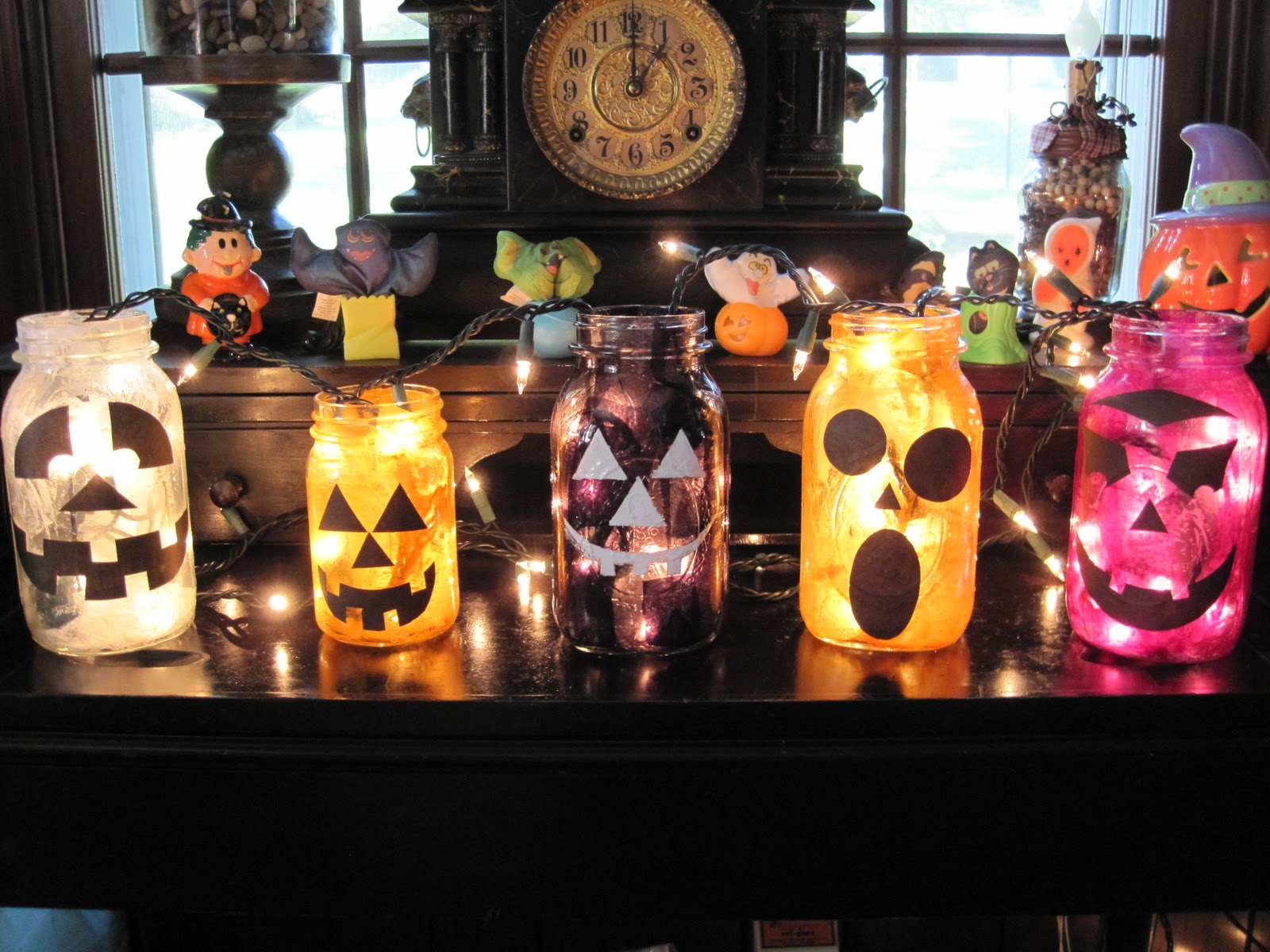 Mason Jar Halloween Lanterns Halloween Crafts Using Jars