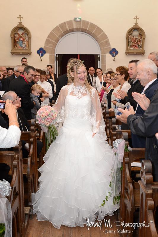 entrée de la mariée dans l'église de beaulieu sous la roche mariage