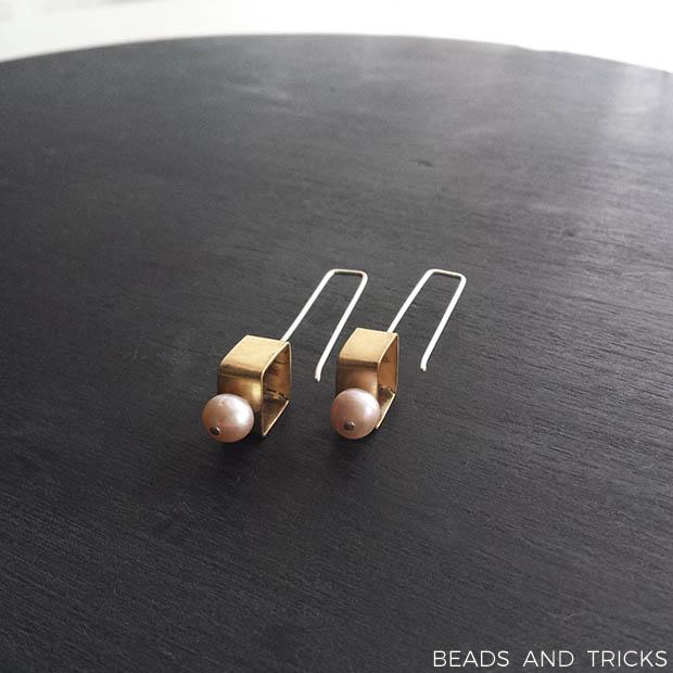 Orecchini quadrato in ottone e argento con perla