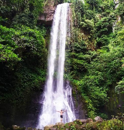 Air Terjun Rajabasa terletak di kawasan Gn. Rajabasa, Kec. Rajabasa, Lampung Selatan