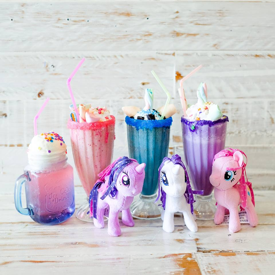 Unicorn Float and Shakes from Rainbow Dreams Cafe
