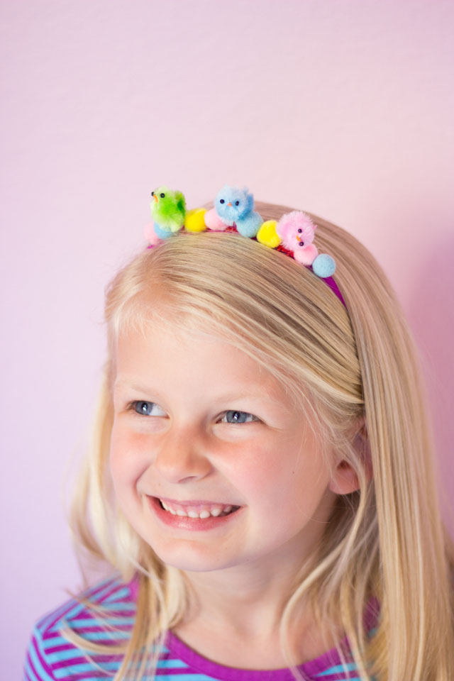 This baby chick headband is such a fun kids Easter craft!
