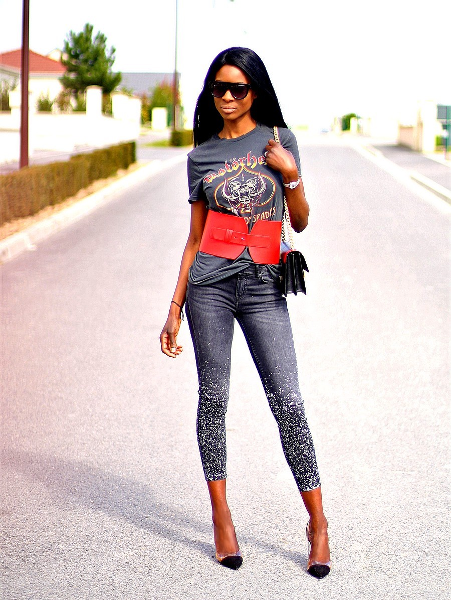 look-rock-tendance-corset-jeans-slim-taches-peinture-escarpins-prespex