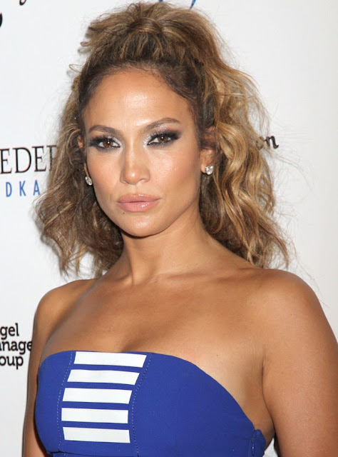 Jennifer-Lopez-Blue-Strapless-Dress