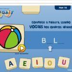 http://www.escolagames.com.br/jogos/brincandoVogais/?deviceType=computer