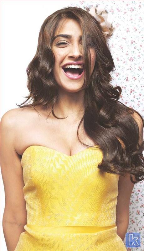 the desi knot: Bollywood Style: Sonam Kapoor as Aisha