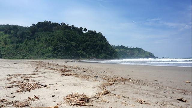 Pantai Jolosutro sebelah Timur