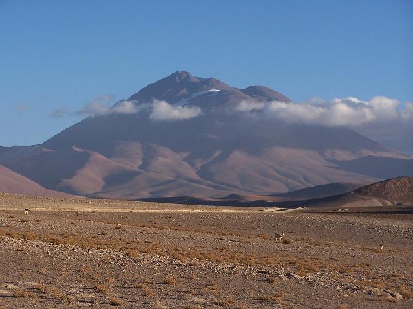 Vulcao-Llullaillaco-entre-Argentina e Chile