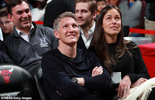 ECABCB Bastian Schweinsteiger And His Wife Ana Ivanovic Take In The NBA