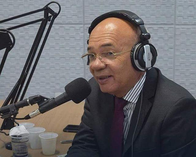 Radio Vox que deveria está no nome da Assembléia de Deus CEADEB, está no nome do Pastor Valdomiro Pereira