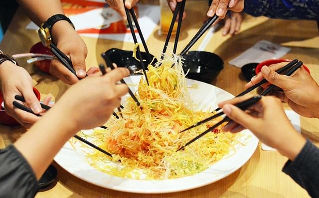 Doubly Fresh, Doubly Joyous Yee Sang at Sushi King  Doubly Fresh, Doubly Joyous Yee Sang @ Sushi Ki