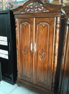 Lemari kayu jati model minimalis