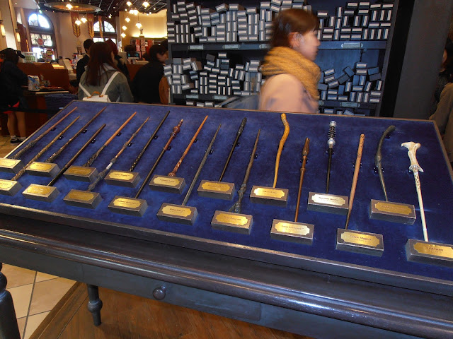Las varitas de Harry Potter en la tienda principal de USJ