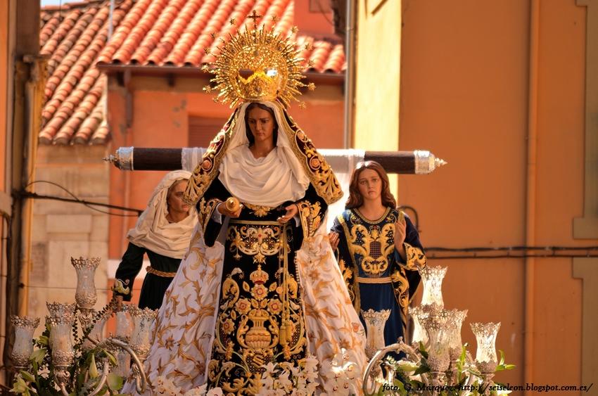 Paso de las Tres Marías. Real hermandad de Jesús Divino Obrero. León. Foto G. Márquez.