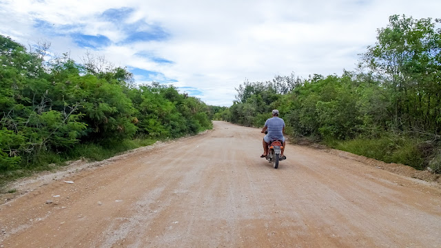 Following a refugee to the detenditon center
