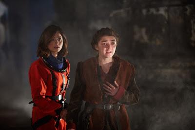 Maisei Williams em cena do episódio - Divulgação